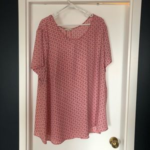 LIKE NEW - T shirt blouse